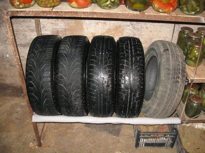 как хранить шины без дисков в гараже