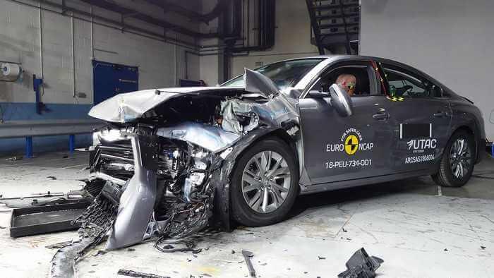 к эксплуатационным свойствам активной безопасности автомобиля относится