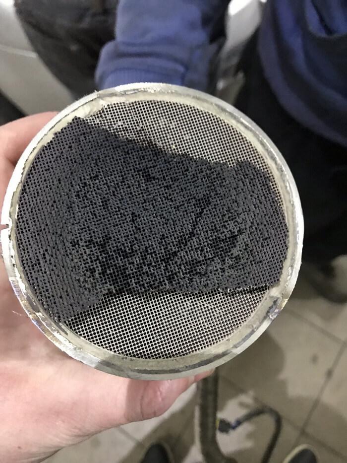 Грязный сажевый фильтр